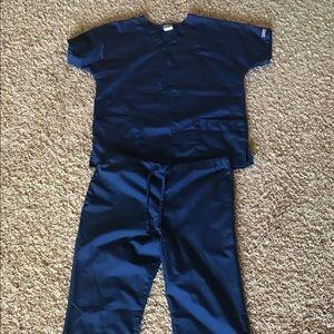 Cherokee scrubs set